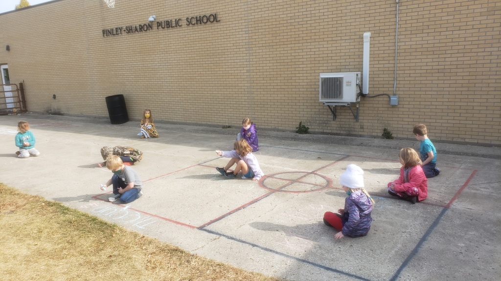kinders.outside.chalk.sightwords